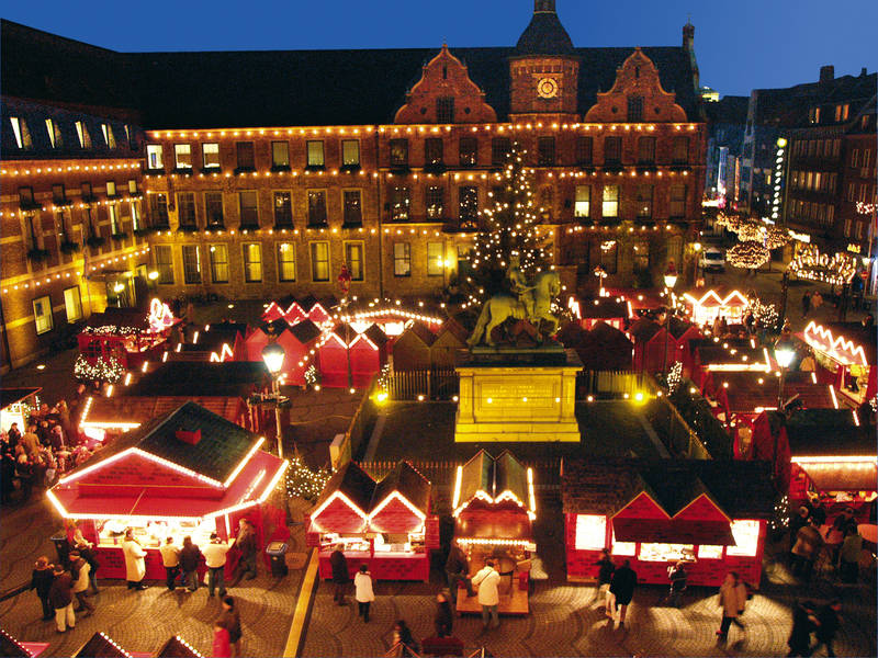 theultimatechic com  u00bb weihnachtsmarkt  the christmas market in germanythe ultimate chic