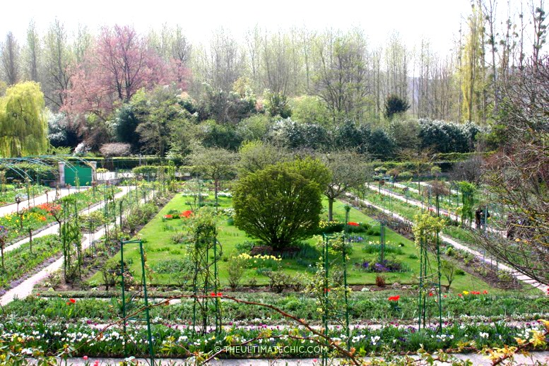 Claude Monets Garden THE ULTIMATE CHIC Beauty Fashion